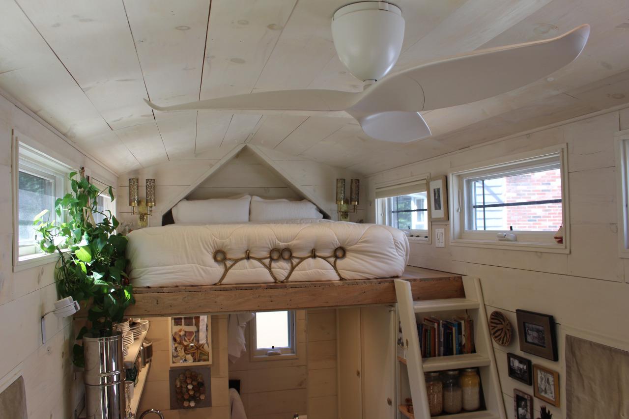 Mini Apartamento Para Tr 234 S Uma Casa Port 225 Til Desenhada