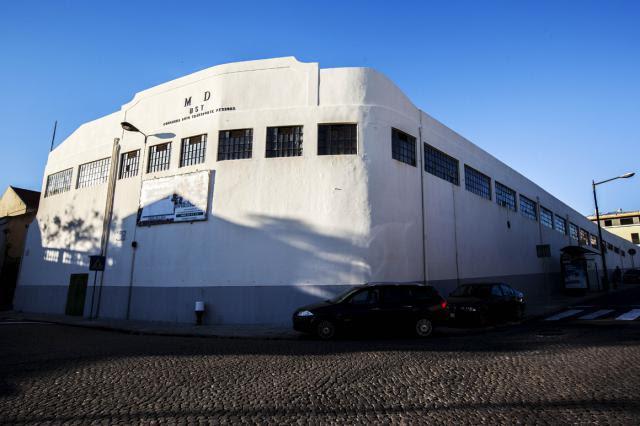 Antiga garagem militar da Ajuda, em Lisboa, foi vendida por 4,3 milhões de euros.