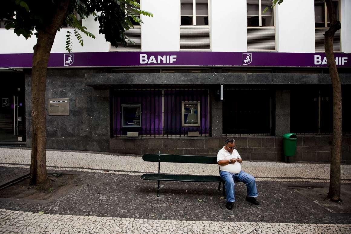 Banif está a fechar balcões - fotografia do Público