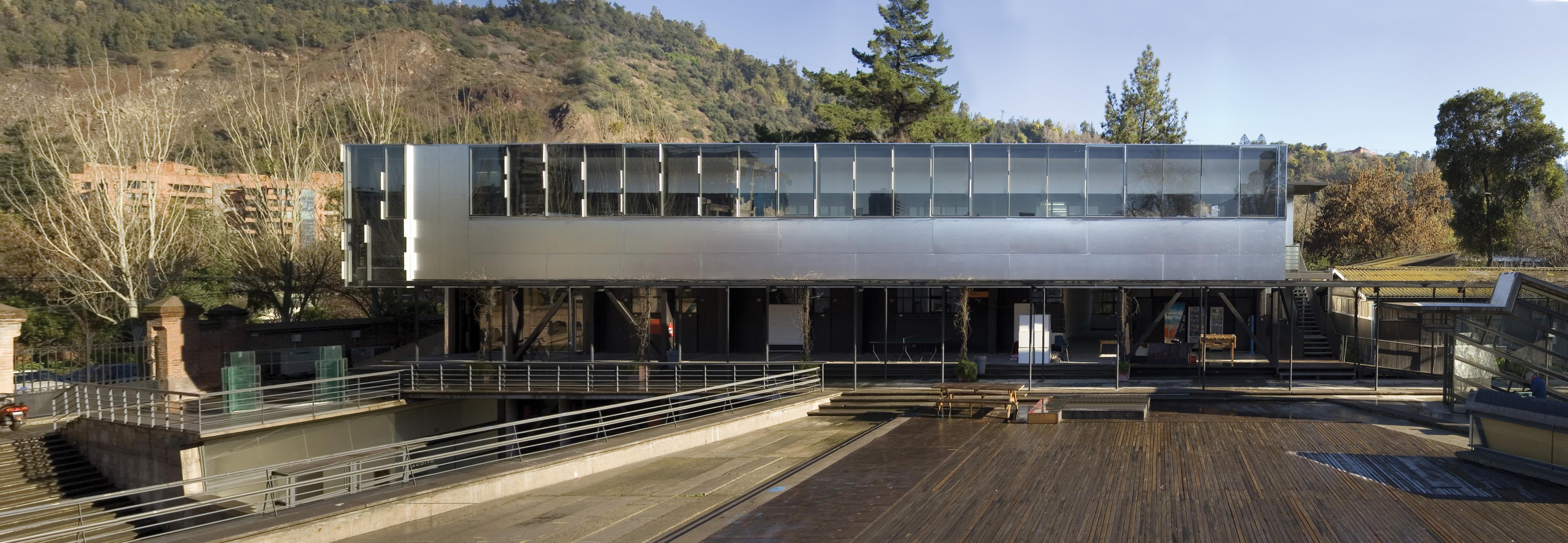 Faculdade de Arquitetura da Universidade Católica (2004) – Santiago do Chile, Chile