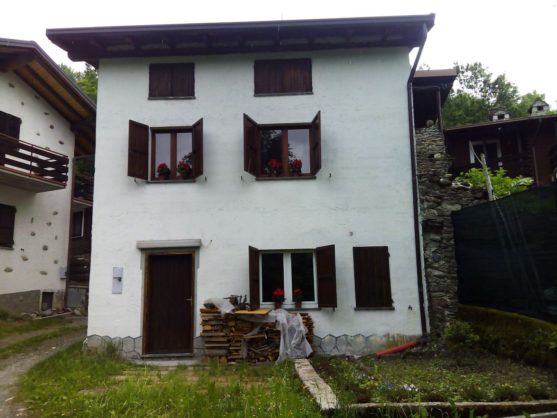 Casas de aldeia à vemda em Villa di Tirano