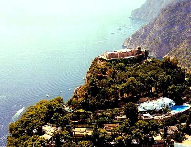 Casas de sonho: Uma fantástica fortaleza no cimo da montanha para viveres como um imperador romano