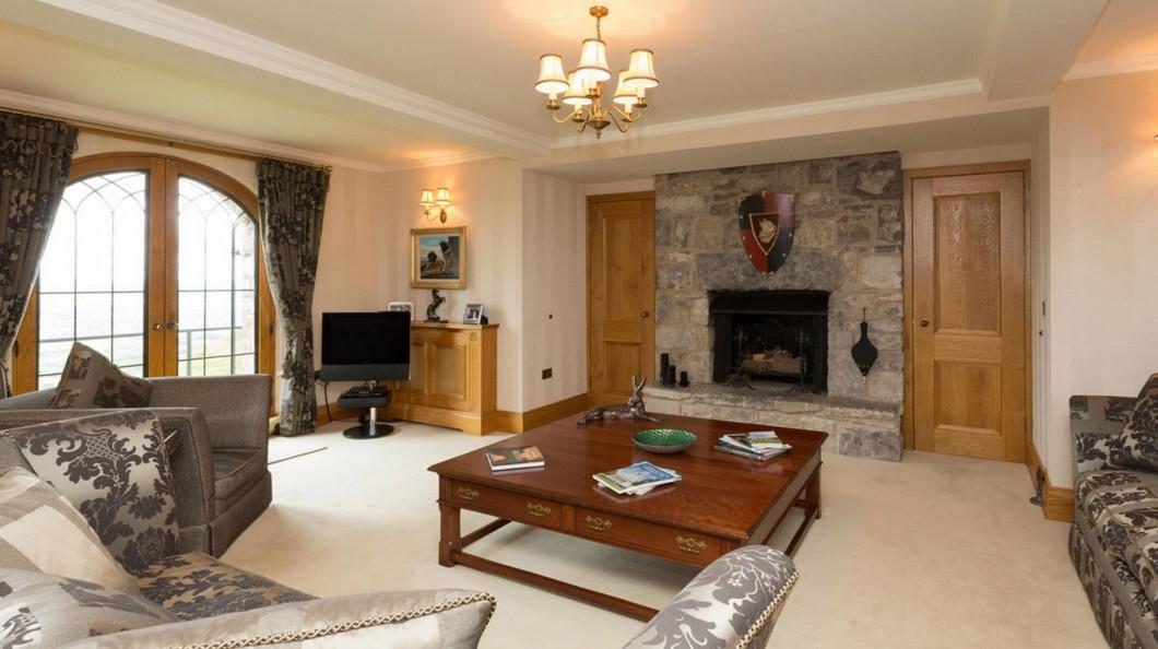 Próxima casa de Mourinho pode ser um castelo no País de Gales que custa cinco milhões