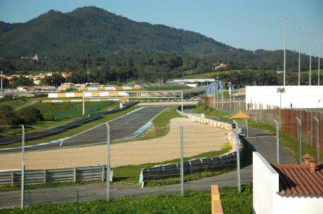 Ocupação de terrenos está no centro da polémica (Foto: www.circuito-estoril.pt).