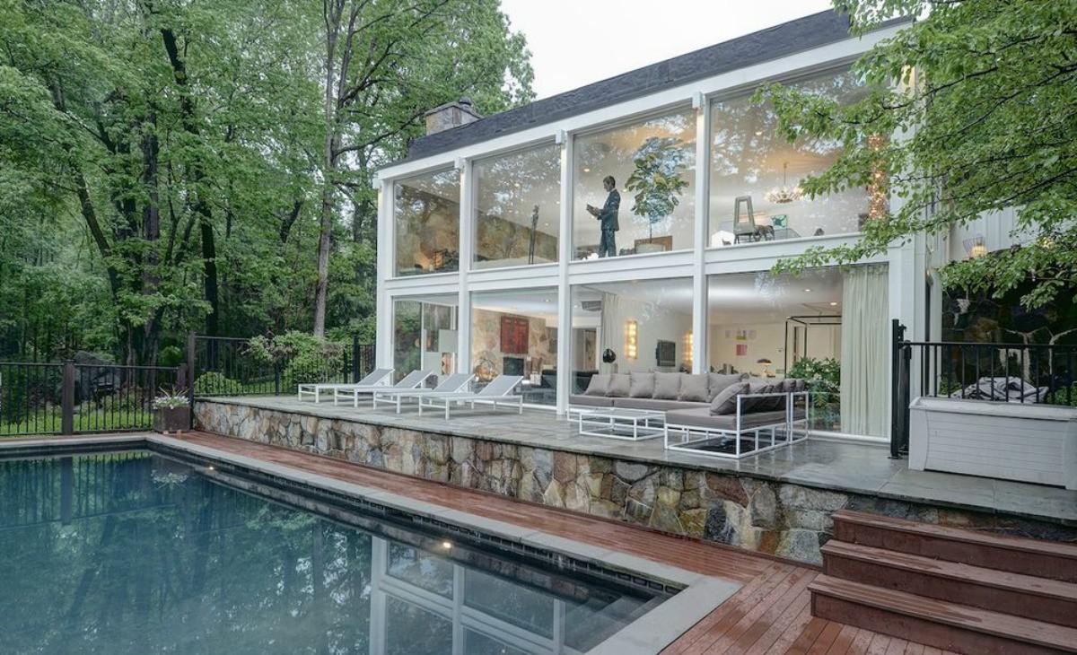 Casas de sonho espetacular jaula de vidro nas traseiras for Piani del cortile con piscine