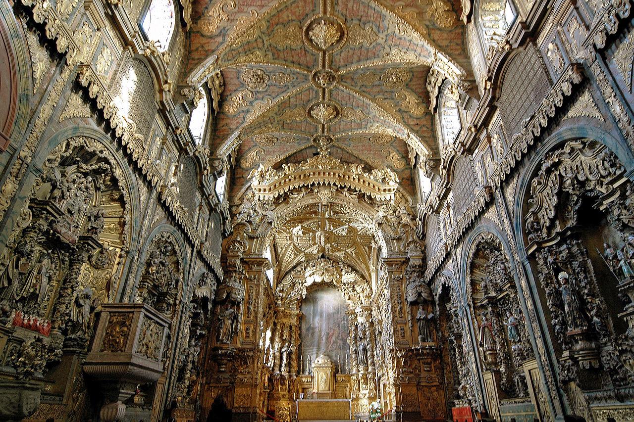 A Igreja de Santa Clara do Porto será um dos monumentos alvo de obras de reabilitação.