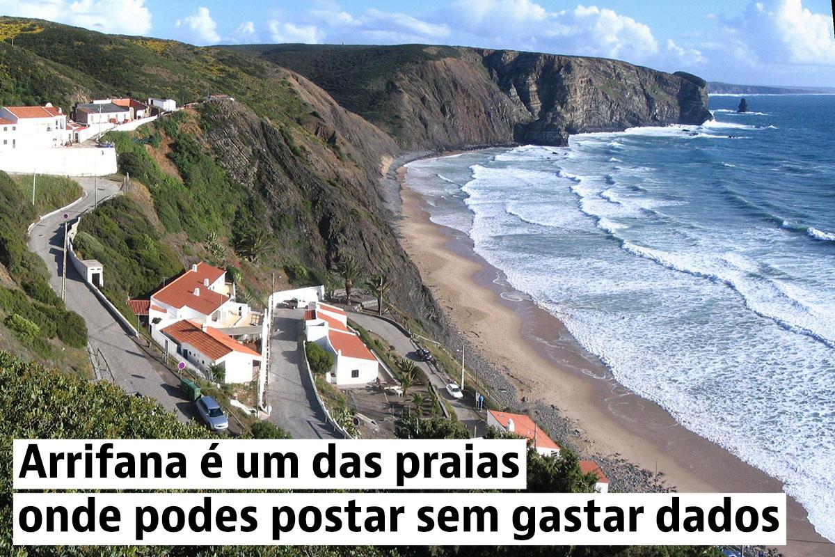 30 praias em Portugal onde há areia, água... wi-fi gratuito e carregador de telemóvel