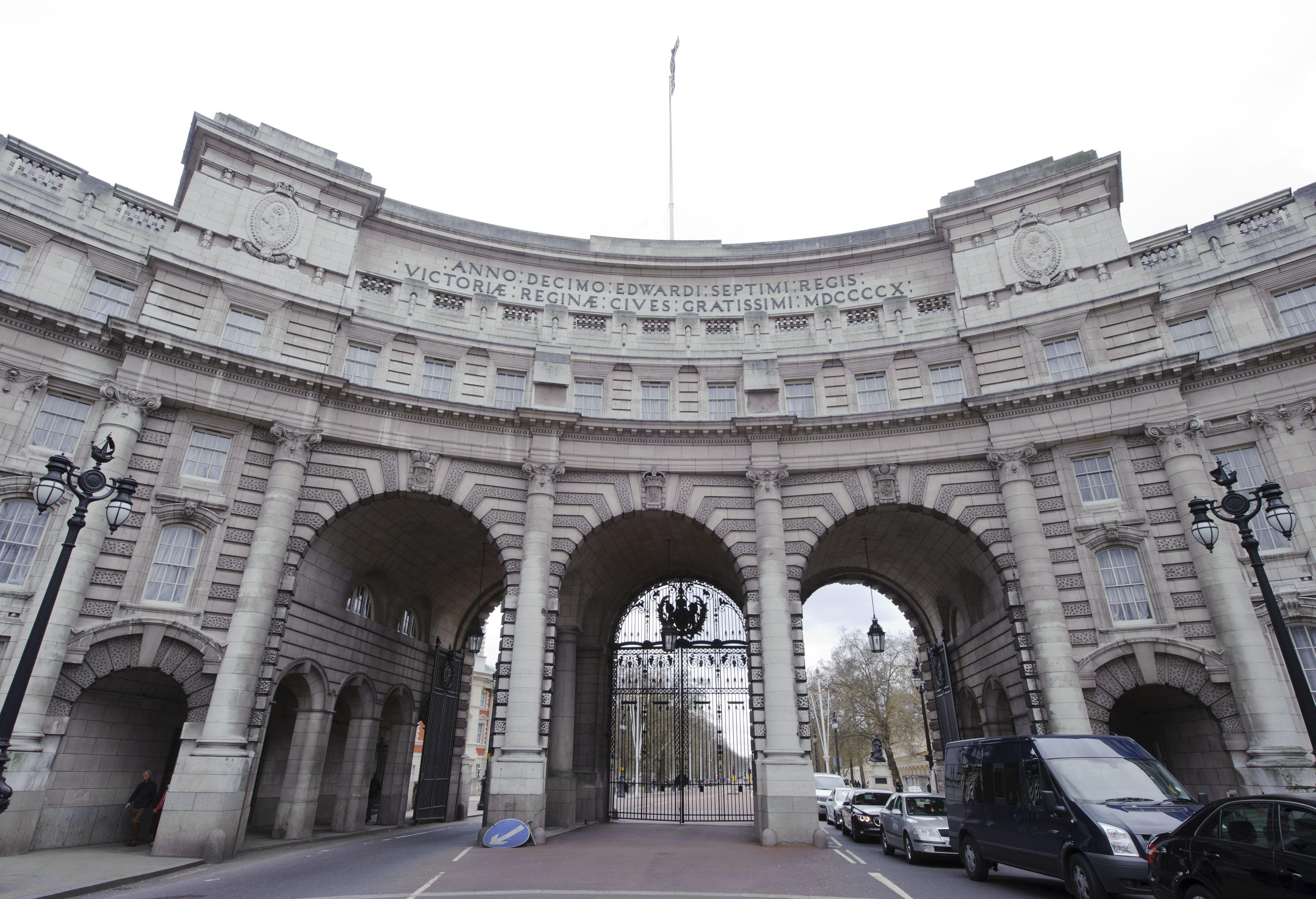 8e9fb06aae1 Viver na casa mais cara à venda em Londres (já foi de Churchill) custa 179  milhões