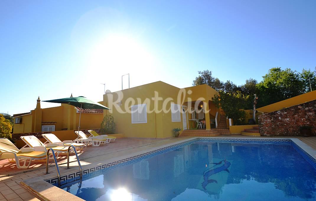 Casas de fim de semana: Piscina, praia e vista para a montanha em pleno Algarve