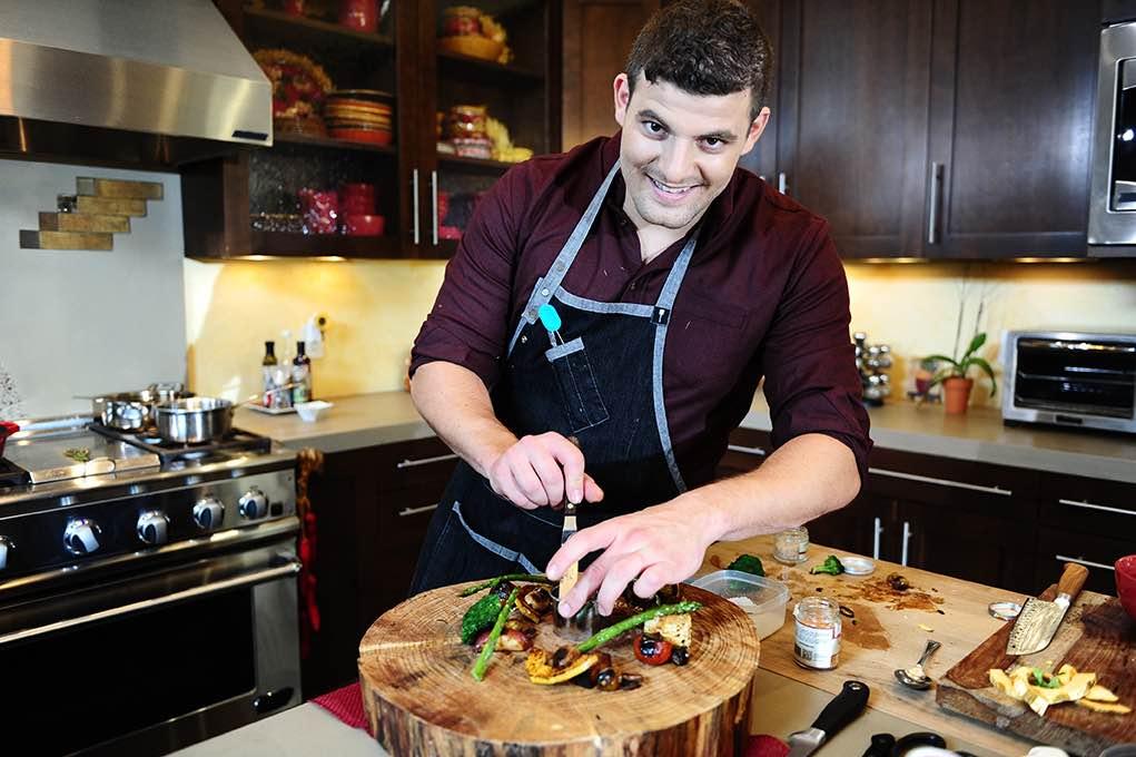 Chirs Sayegh é um chef privado dos EUA que apimenta refeições com canábis