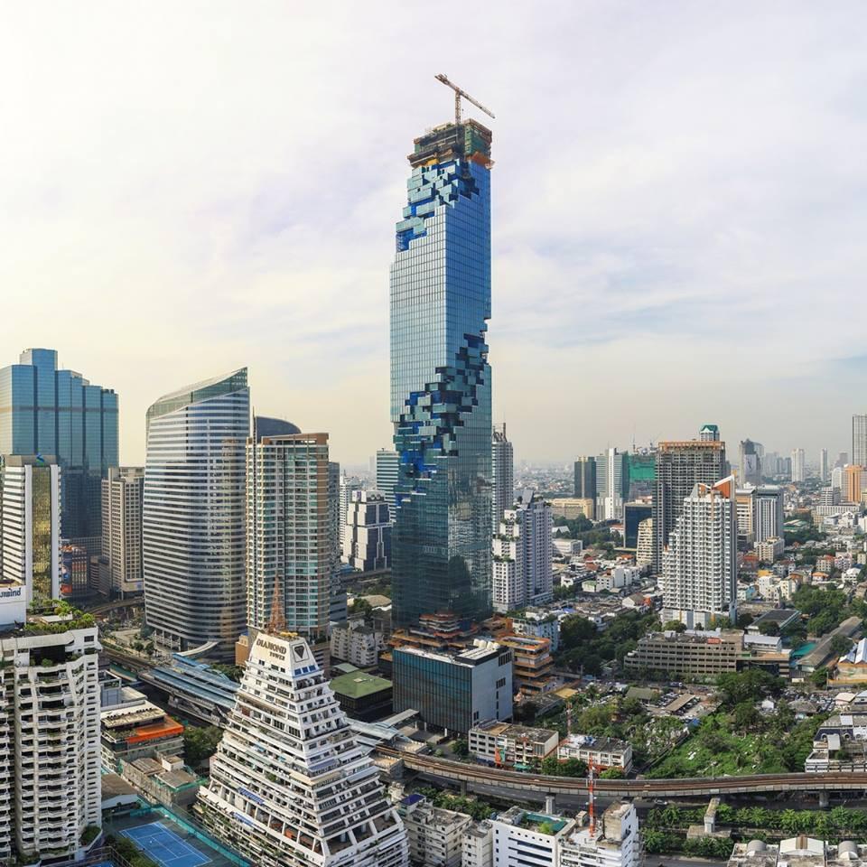 Vista panorâmica da torre MahaNakhom
