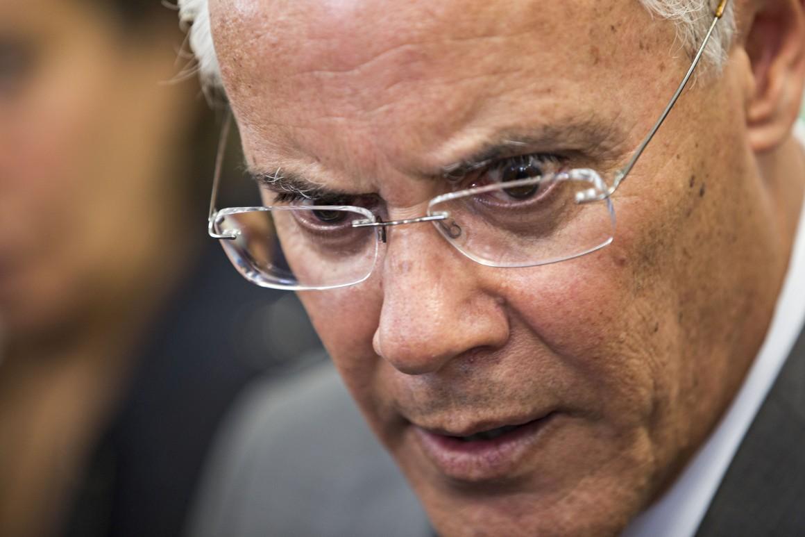 Miguel Macedo, ex-ministro da Administração Interna, é um dos 17 arguidos (Foto: jornal Público).