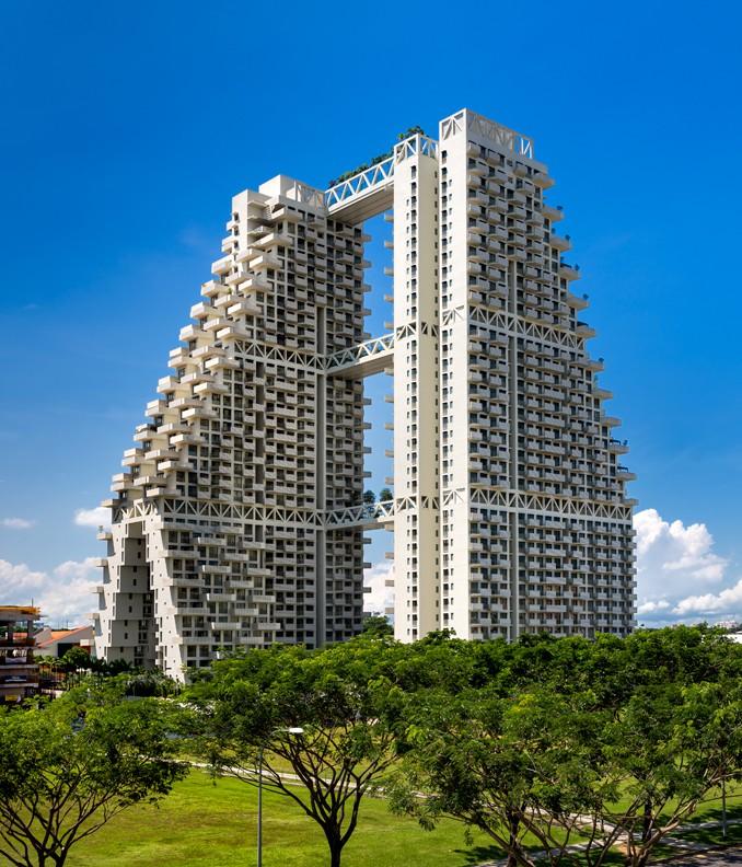 Estas duas enormes torres têm 133 metros de altura.