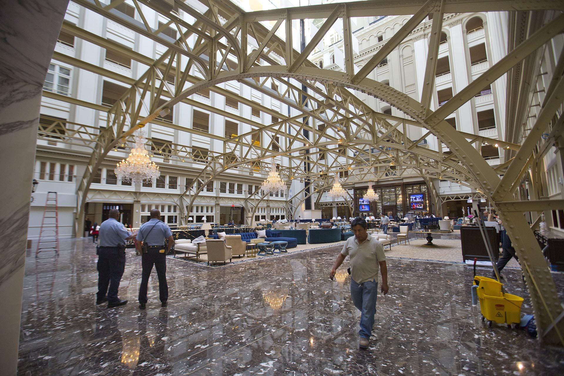 O Novo E Opulento Hotel De Donald Trump Que Est 225 A
