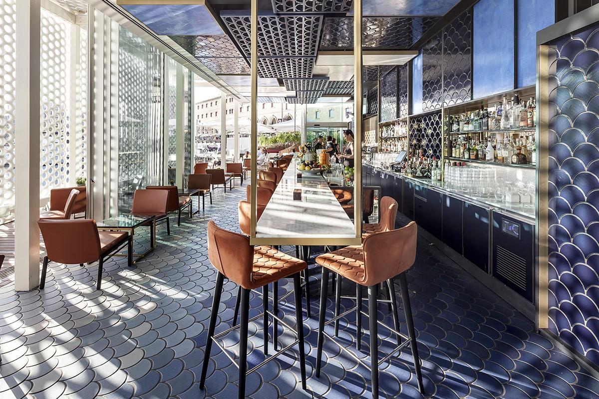Melhor Bar de 2016: Blue Wave (Barcelona, Espanha). Projeto: El Equipo Creativo