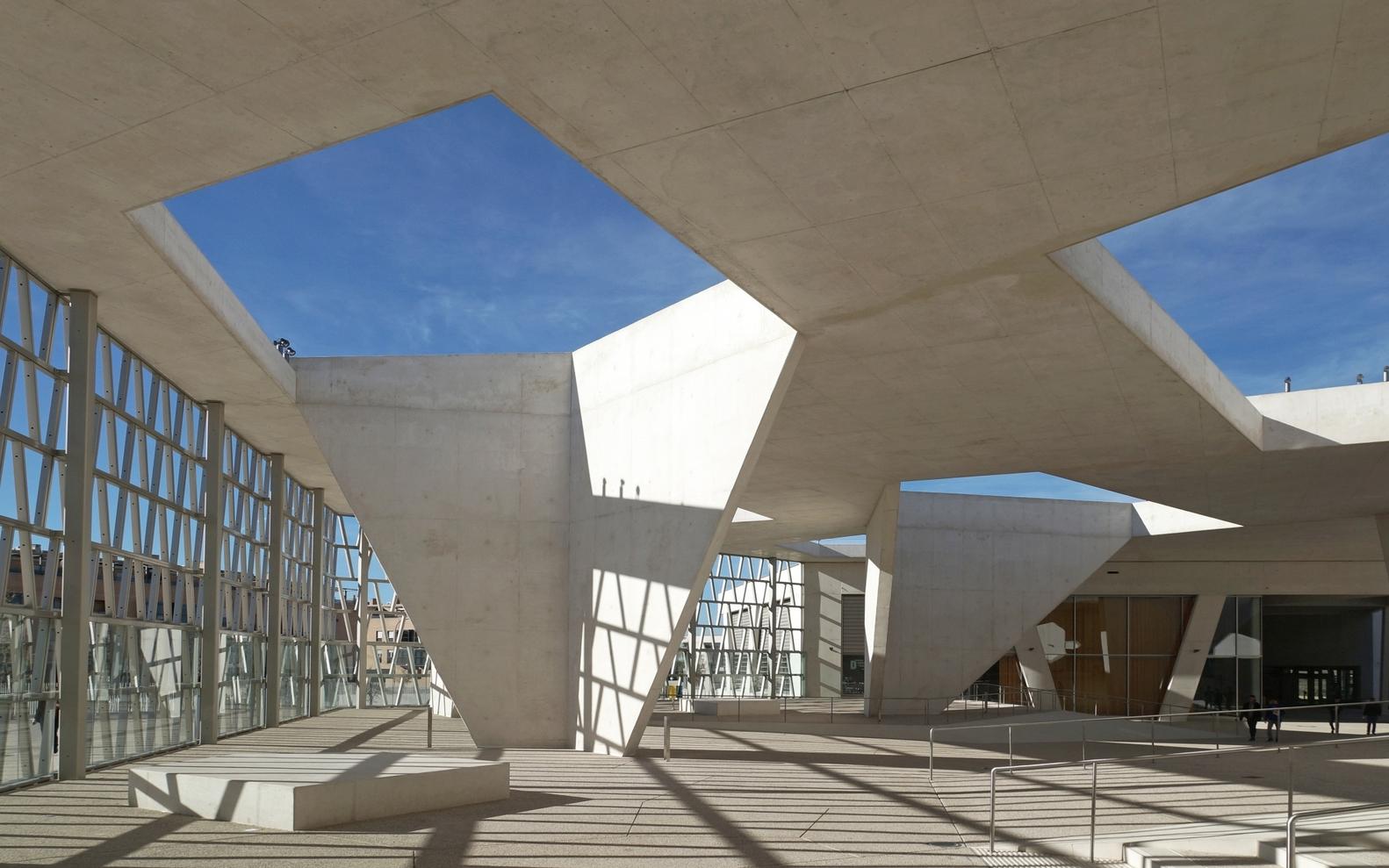Prémio Centro Educativo: Colégio Alemão de Madrid (Espanha). Grüntuch Ernst Architects
