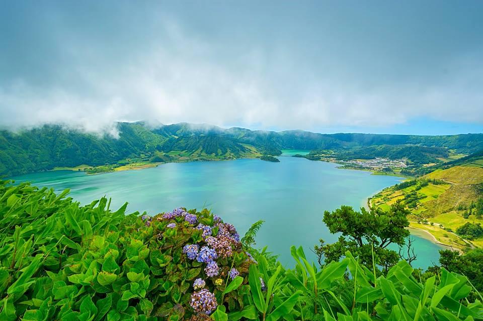 Lagoa das Sete Cidades, na ilha de São Miguel. / Wikimedia commons
