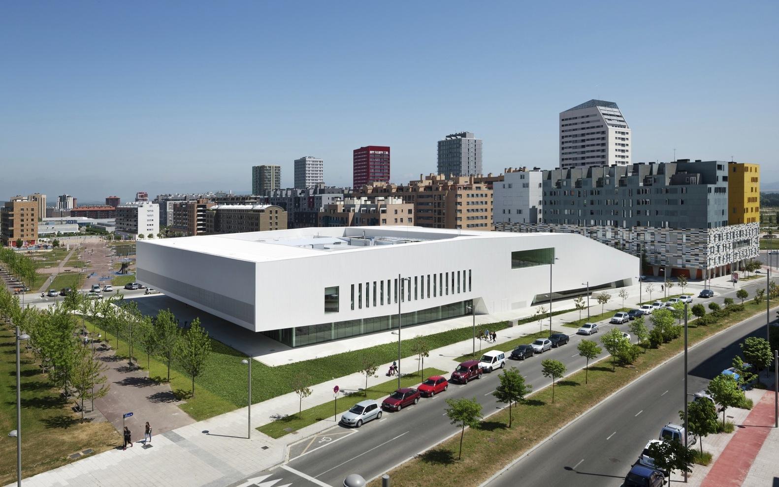 Prémio Centro Cívico: Salburua, Vitoria-Gasteiz (Espanha). IDOM