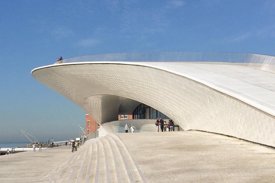 O MAAT (Museu de Arte, Arquitetura e Tecnologia) abriu dia 5 de outubro e está localizado em Belém (Fotos: Design Boom).