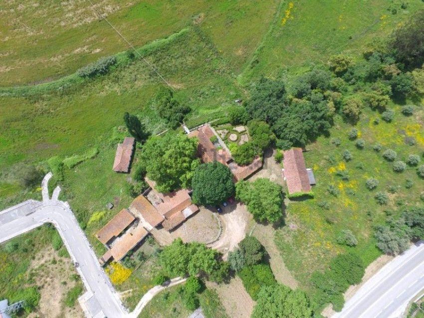 Esta quinta com 500 anos está localizada no Pombal e custa 980.000 euros.