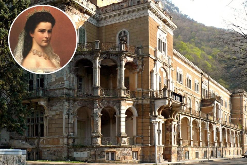 O pal cio em ru nas da imperatriz sissi que est venda for La mansion casa hotel apurimac