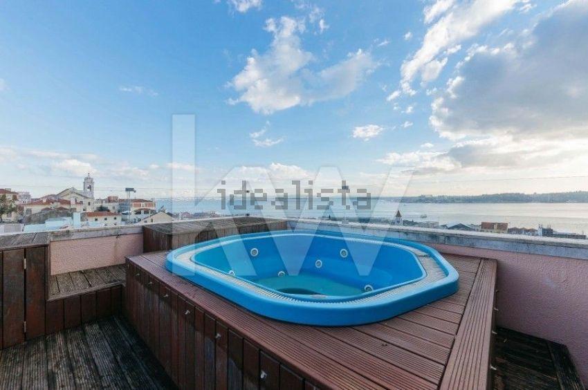 Esta espetacular moradia está localizada em Lisboa e custa 6.500.000 euros.