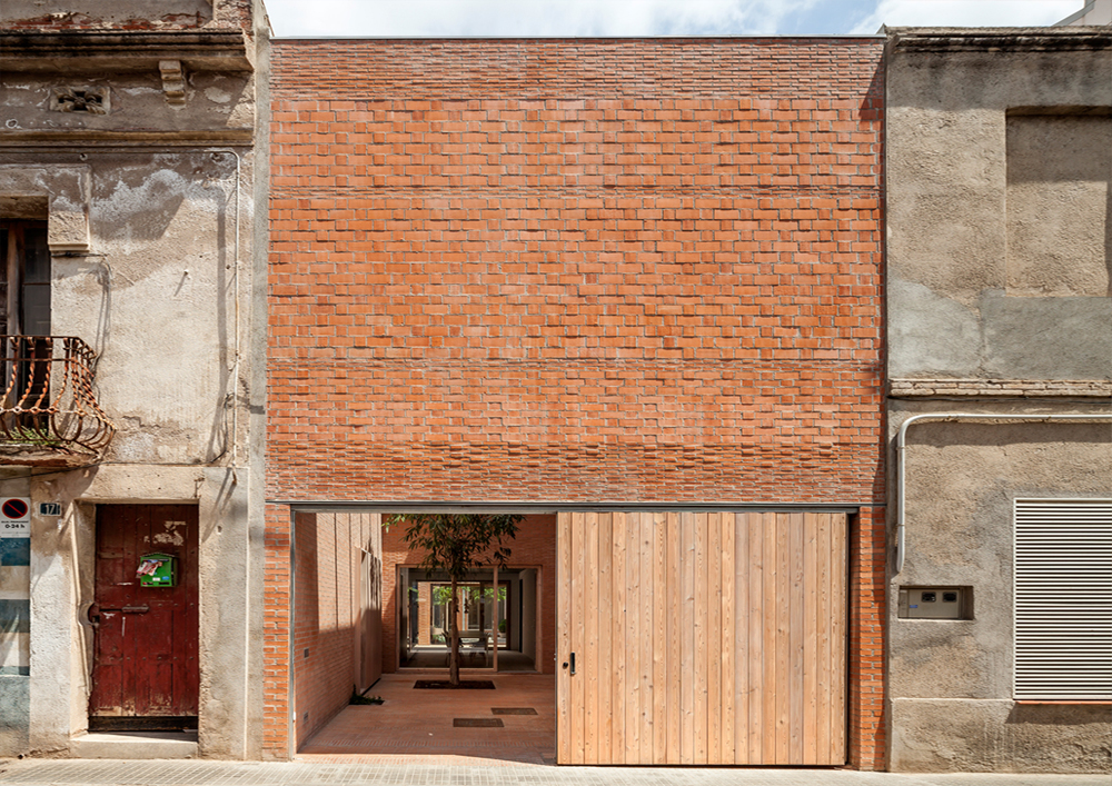 Casa 1014. Granollers, Espanha. HARQUITECTES. @Harquitectures