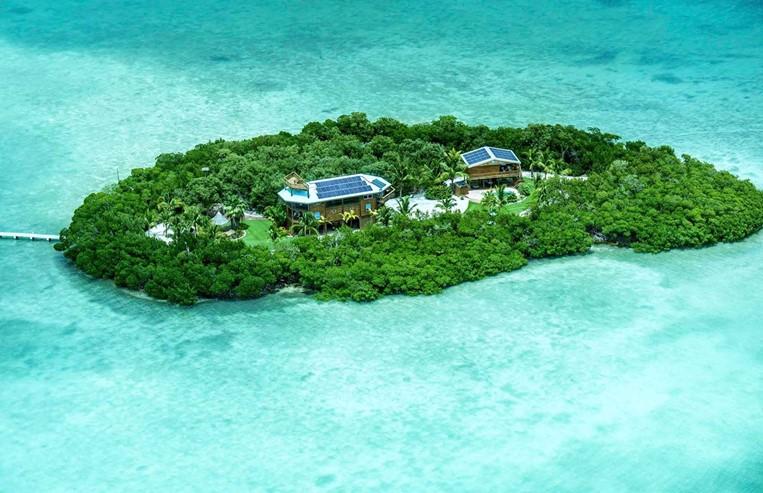 A ilha tem dois hectares e está à venda por 6,4 milhões de euros. / Jornal de Negócios