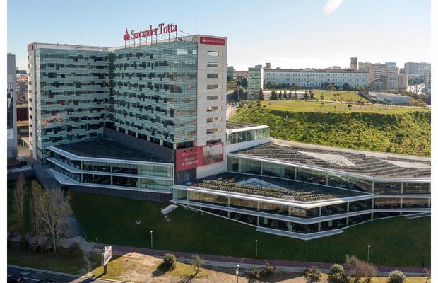 Edifício sede do Santander Totta em Lisboa
