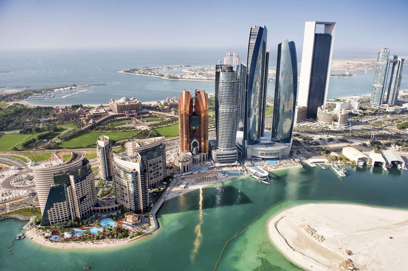 Arrendar casa no Dubai, para uma família com quatro pessoas, custa 2.606,50 euros. / Notícias ao Minuto
