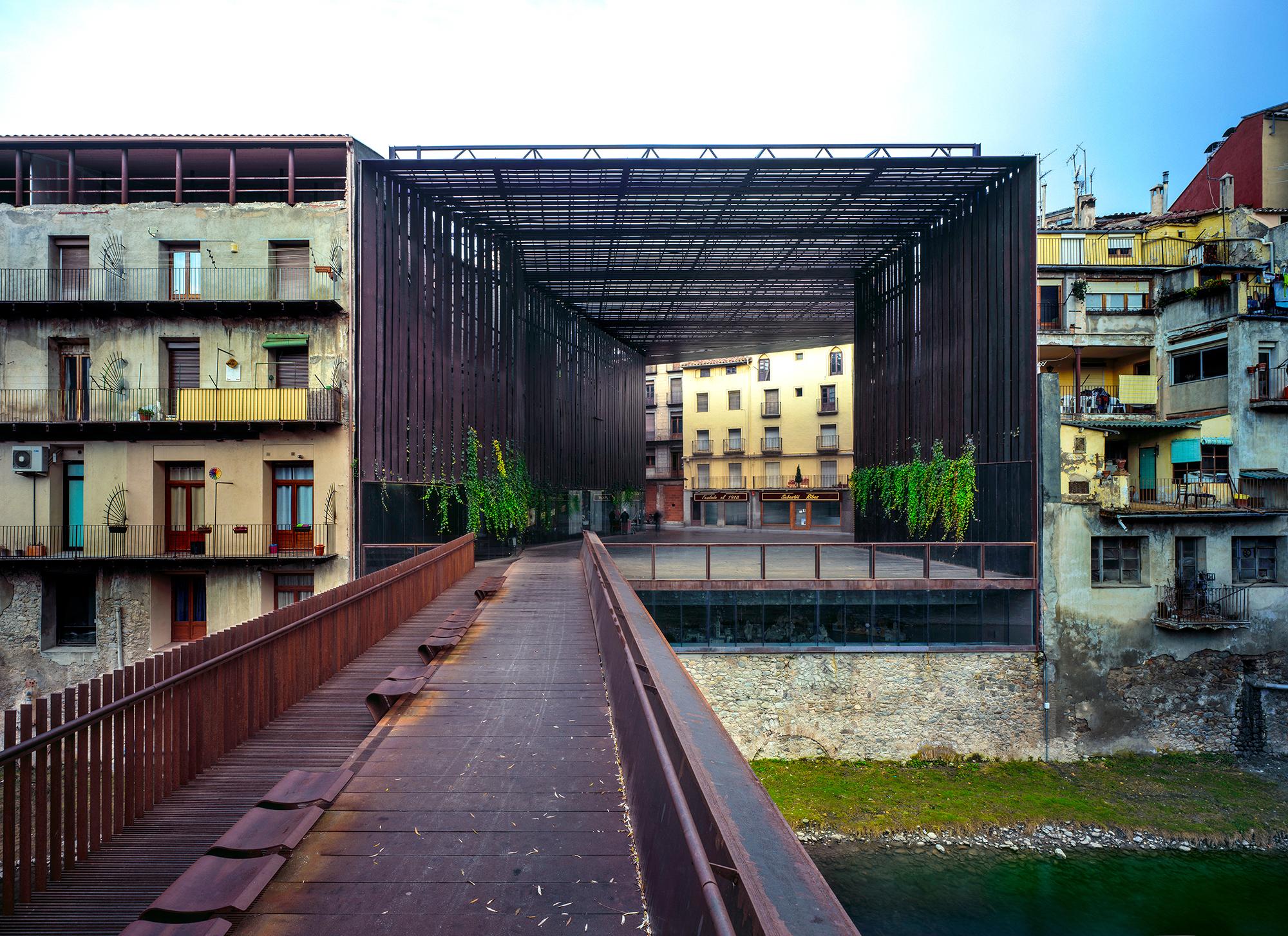 Espaço Público Teatro La Lira (Ripoll, Girona)