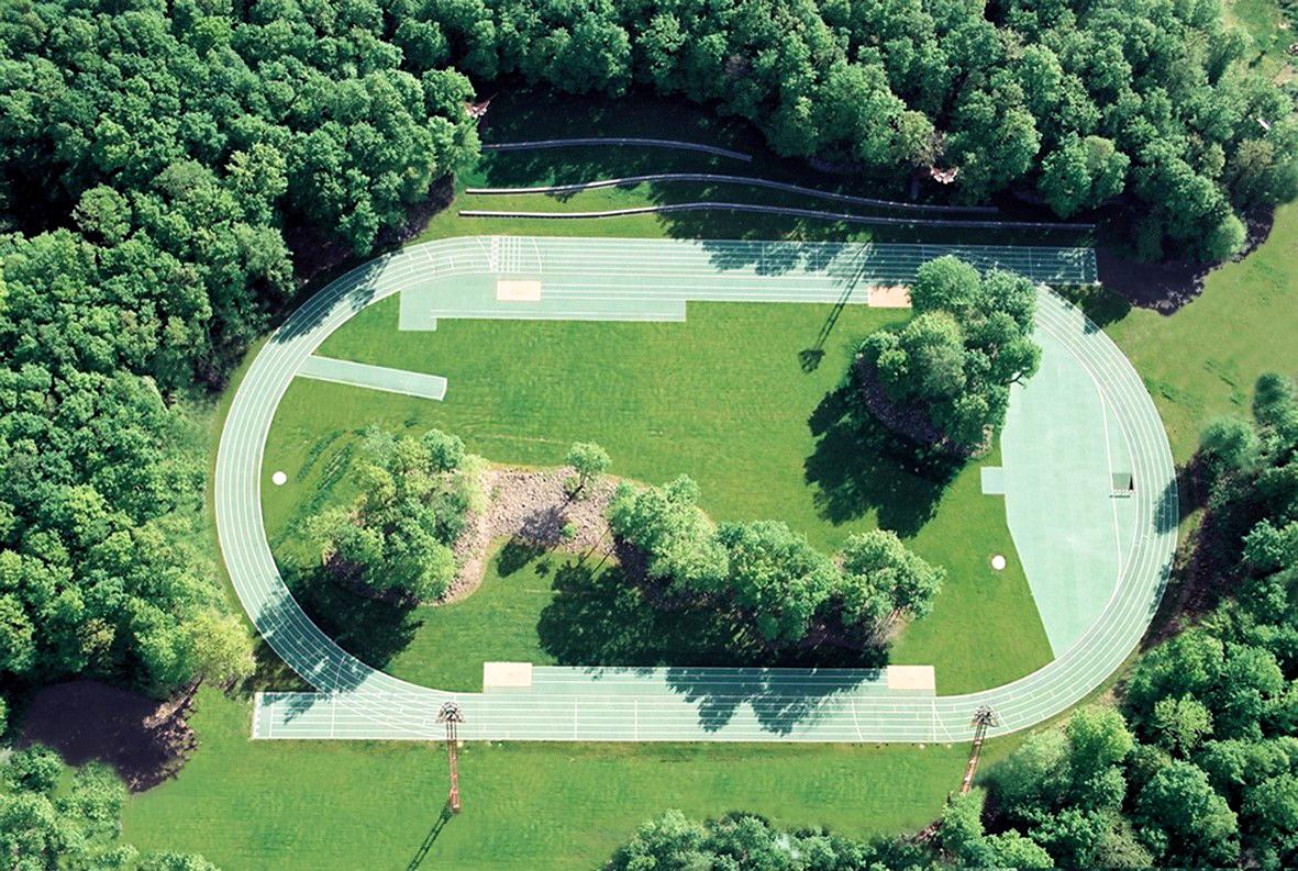 Estádio de Atletismo Tussols-Basil e Pavilhão 2x1 (Olot, Girona)