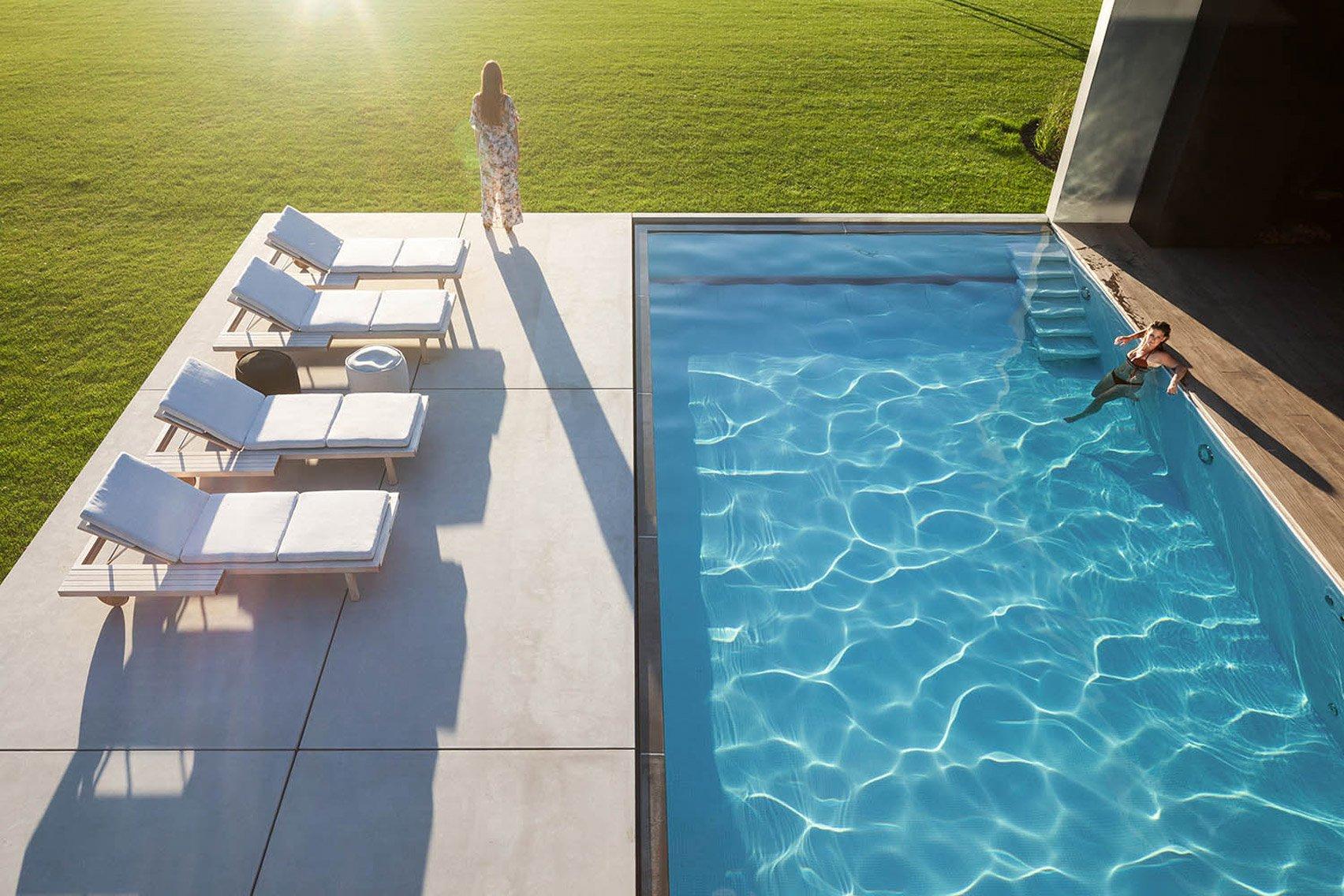espiar piscina