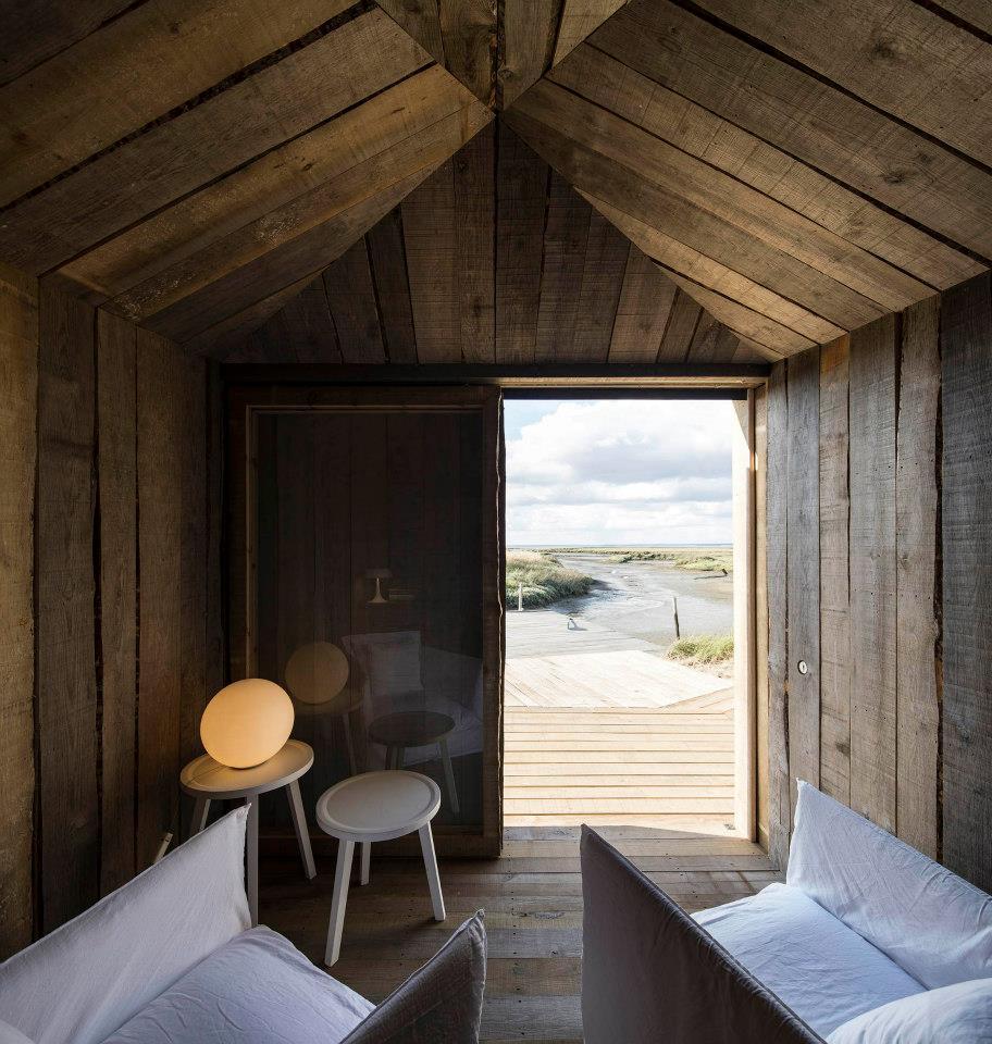 Cabanas no Rio, Comporta, Portugal / Observador