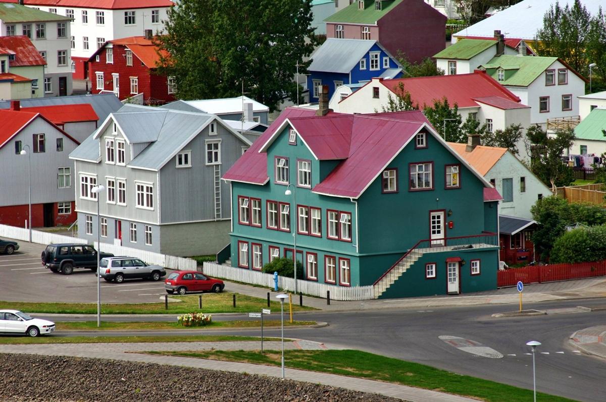 2 - Islândia