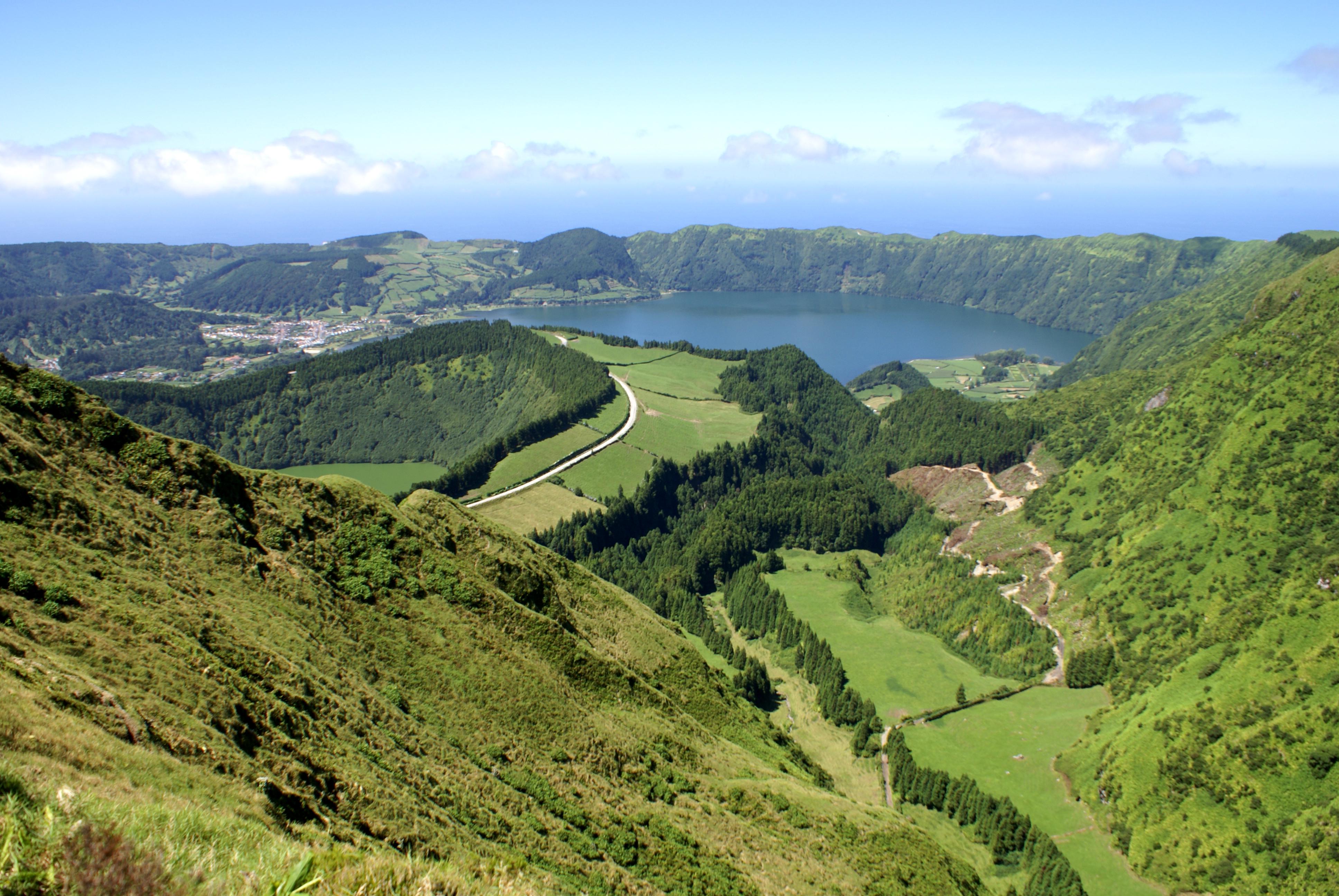 2. Açores