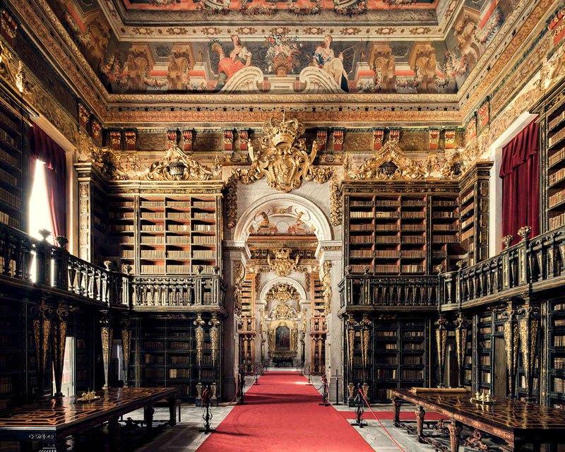 Biblioteca Joanina, em Coimbra, data de 1728 / Thibaud Poirier