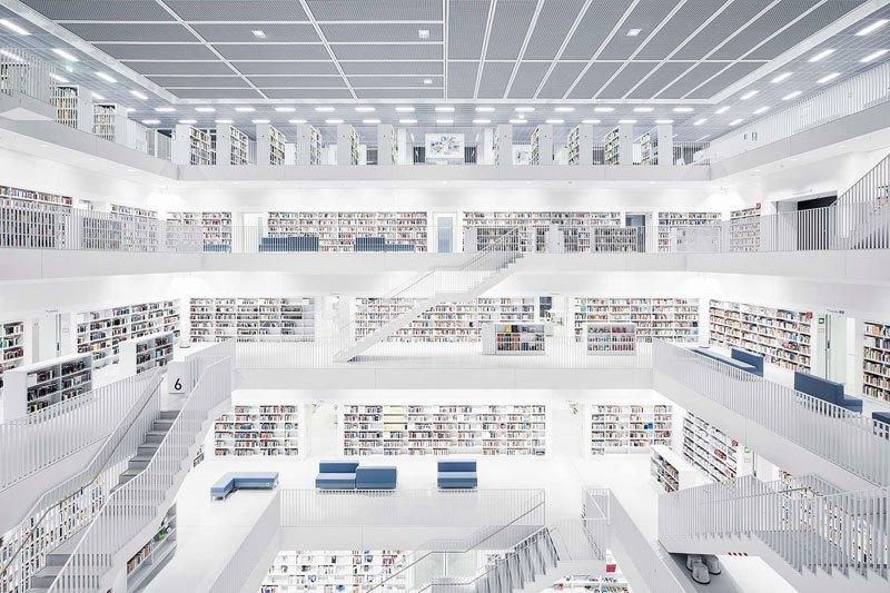 Biblioteca nacional de Suttgart, de 2011 / Thibaud Poirier