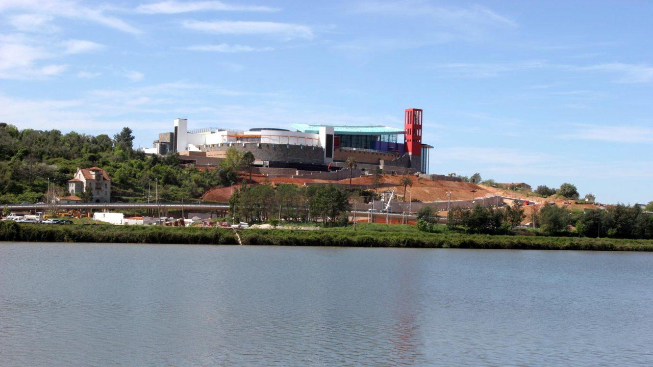 Venda do Fórum Coimbra a um investidor sul-africano foi uma das operações que dinamizou o setor / Multi Corporation