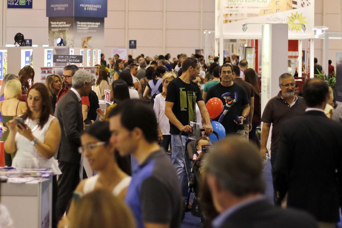No ano passado, o SIL recebeu cerca 300 empresas e 55.000 visitantes.