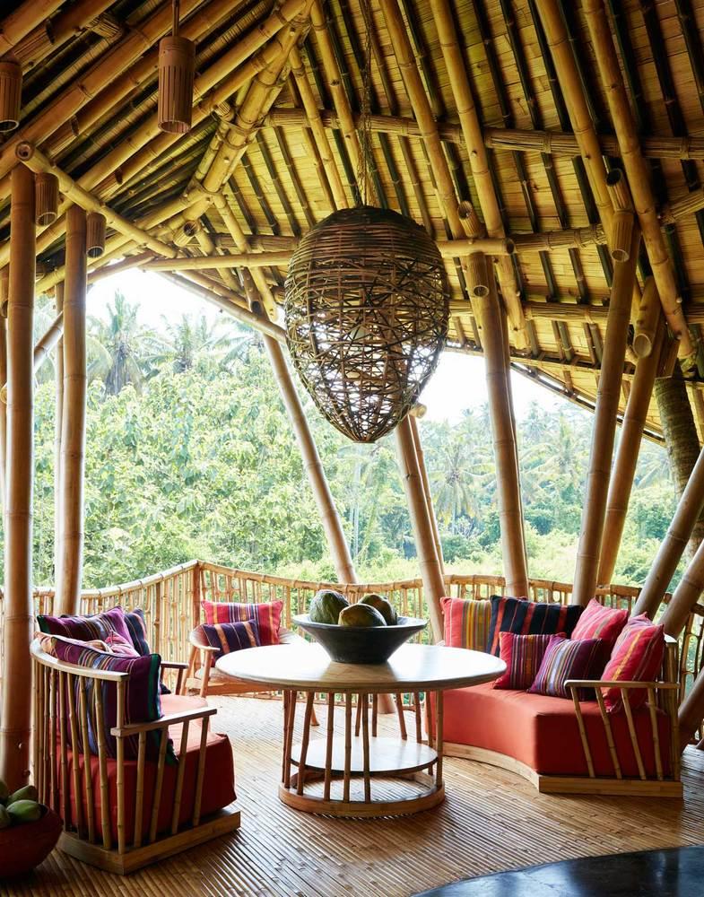 As casas nas árvores têm sala de estar e cozinha