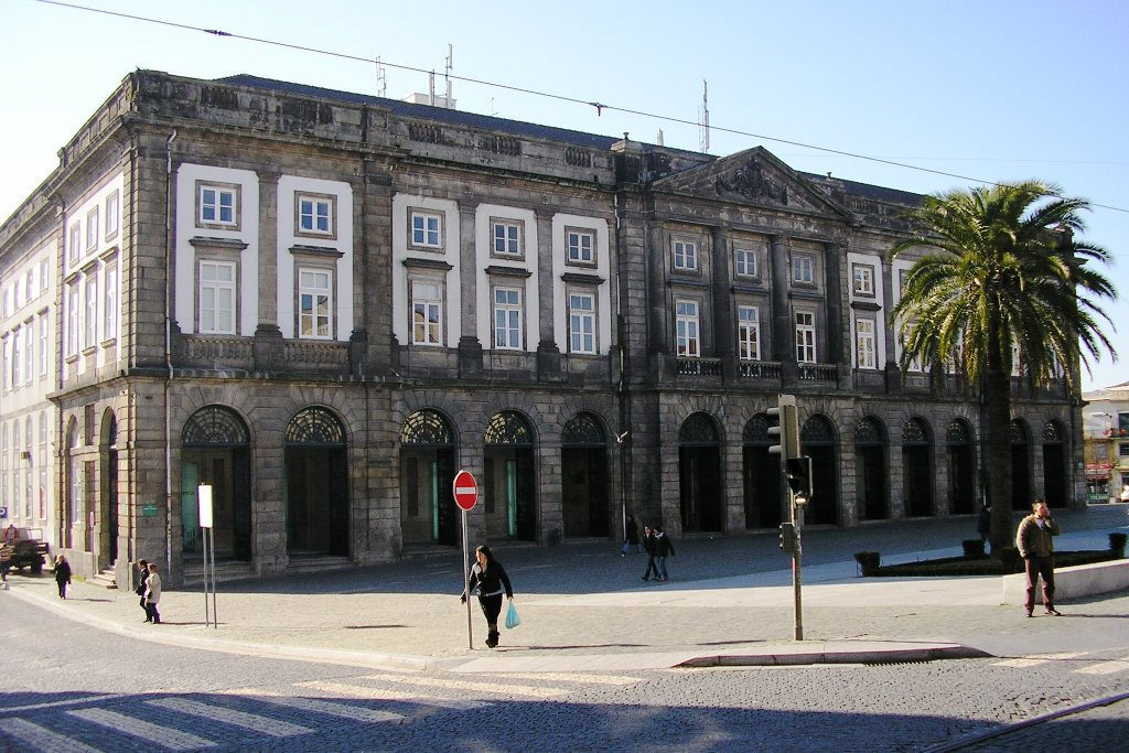 Universidade do Porto / Wikimedia commons