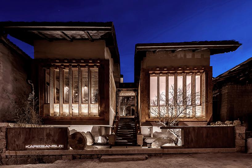 A entrada do hotel na cidade de Shangri-la / zhu enlong