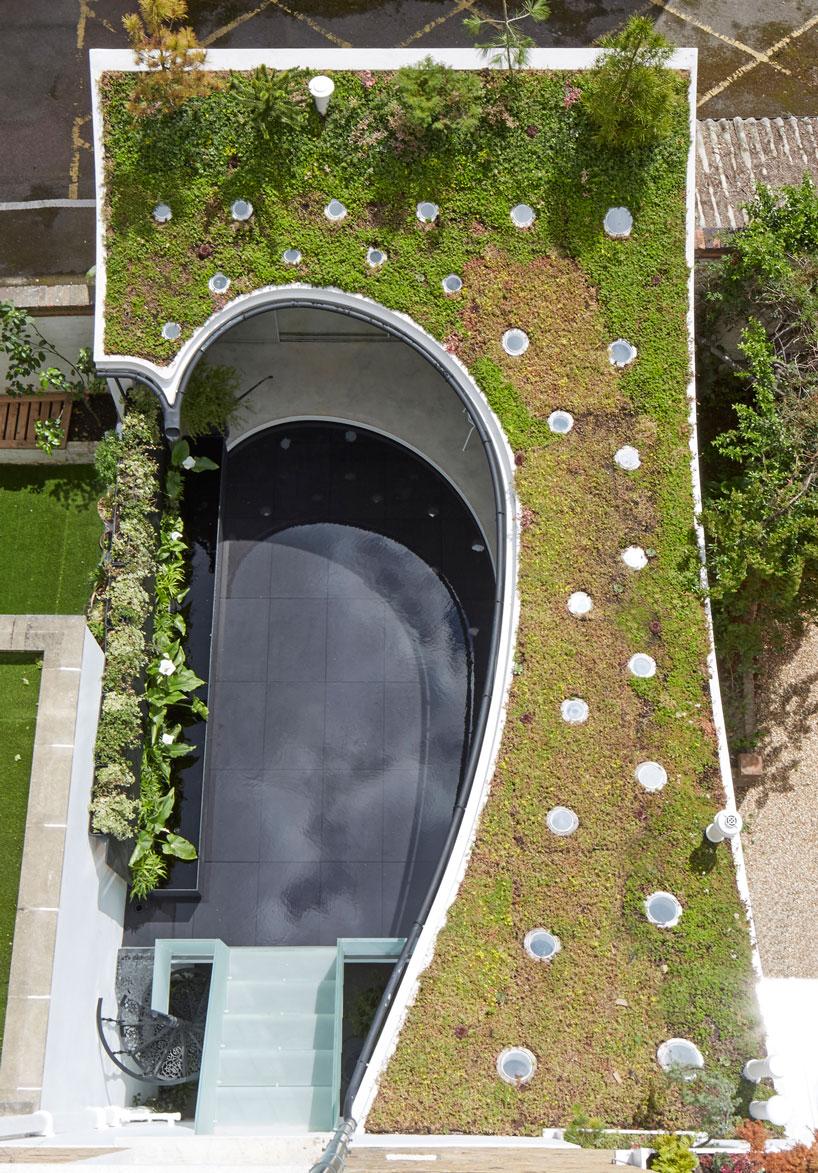 ... e o telhado, que também tem um jardim...