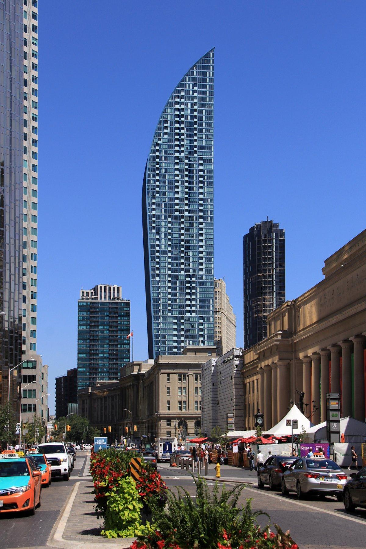 8º lugar: Torre L/Canadá