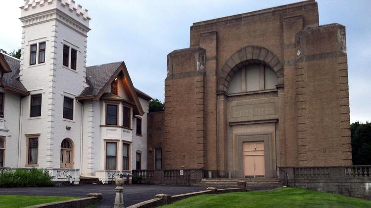 Dois estilos arquitetónicos bem distintos...