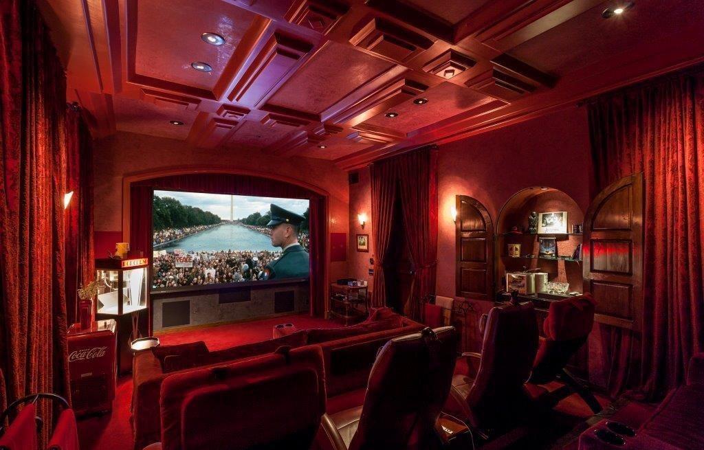A sala de cinema, claro...