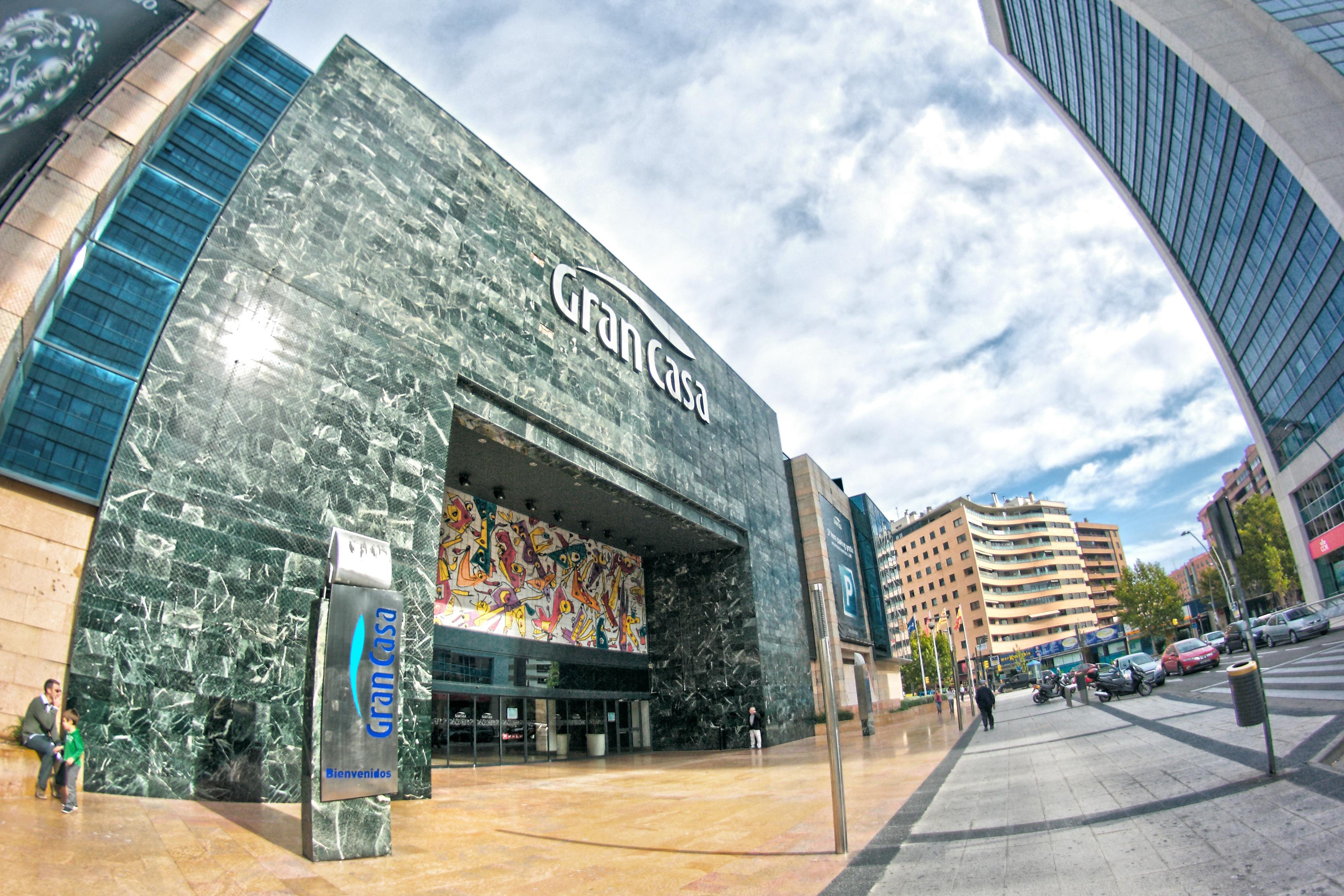 Shopping Gran Casa, em Zaragoça / Wikimedia commons