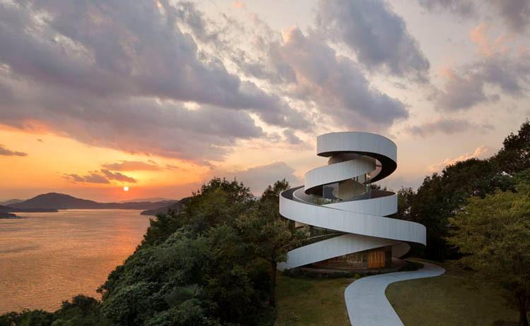 Um edifício de design em Hiroshima / Foto: Hiroshi Nakamura & NAP Architects