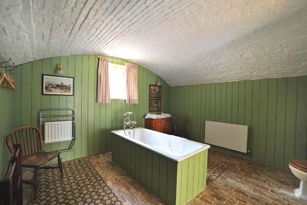 ... e uma casa de banho com pormenores de antigamente